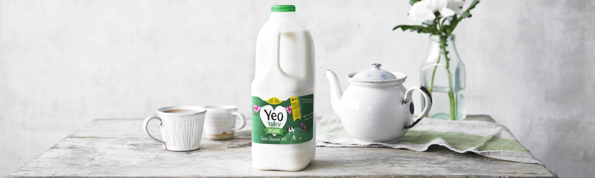 Yeo Valley organic semi skimmed milk and a pot of tea