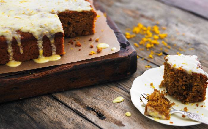 Carrot Cake Recipe Uk With Oil: Carrot Cake With Yogurt Drizzle