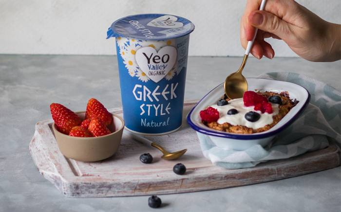 Baked Oats with Yeo Valley Organic Greek Style Natural Yogurt